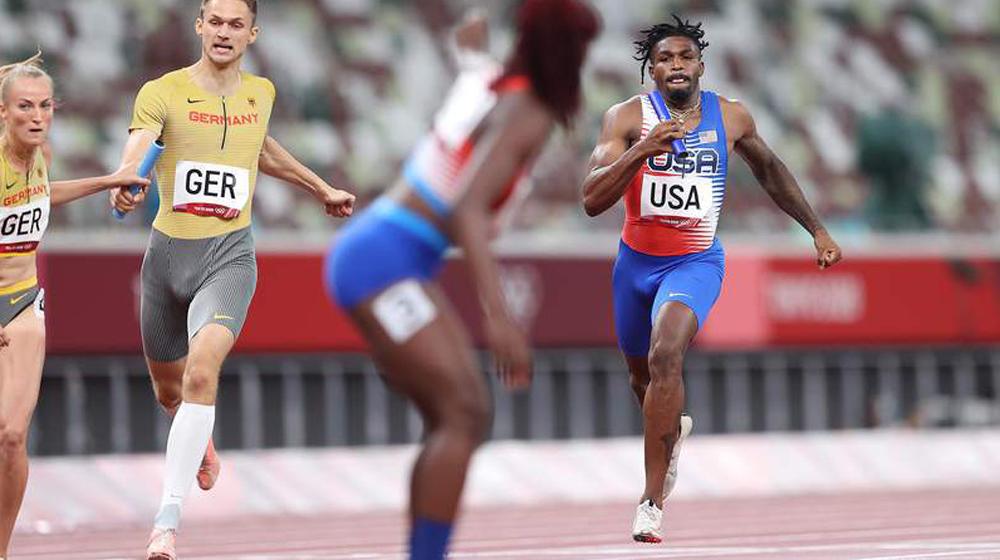AS tersingkir dengan parasut dalam estafet gaya ganti 4x400m