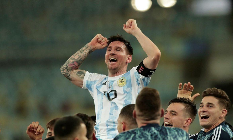 Messi, Ronaldo memenangkan kejuaraan kontinental pada hari yang sama