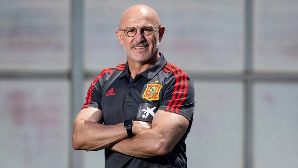 Pelatih Spanyol dengan percaya diri memenangkan sepak bola Olimpiade