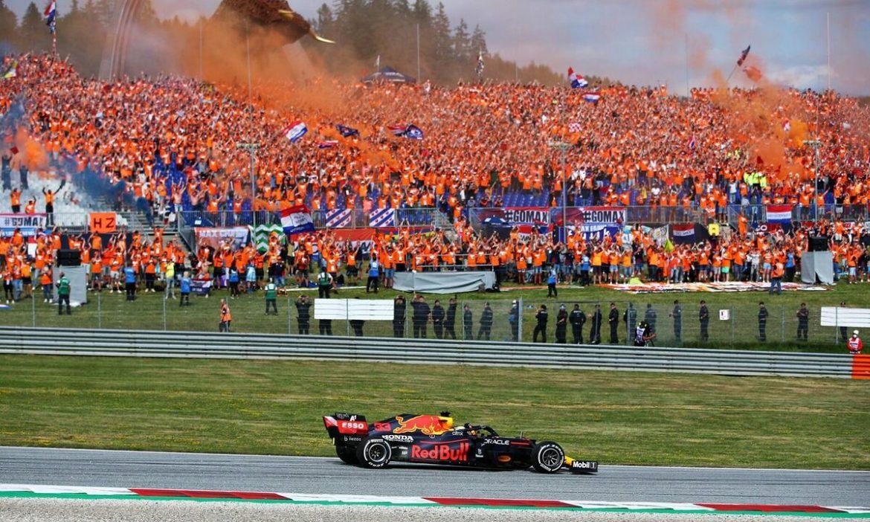 Verstappen memperlebar jarak dengan Hamilton