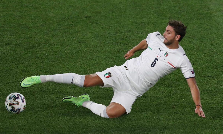 Arsenal bersaing untuk membeli juara Euro dengan Juventus