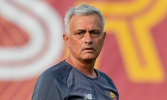 Mourinho membela taktik bertahan Southgate