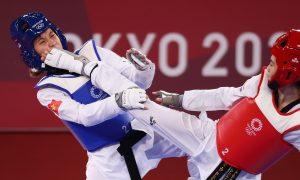 Kim Tuyen kalah melawan petinju Kejuaraan Dunia