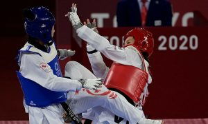 Kim Tuyen mengalahkan petinju Kanada